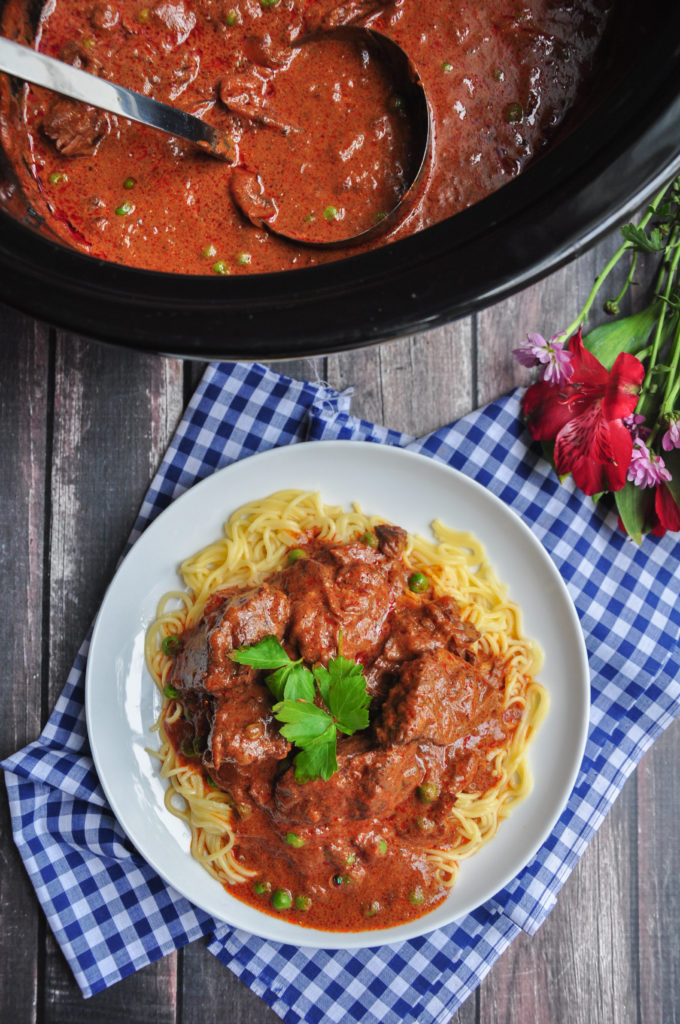 Try this comforting, classic European dish: beef goulash made in the slow cooker with bone broth. Minimal prep, wholesome ingredients, gluten-free.